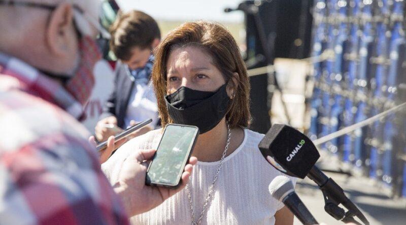 La Gobernadora Carreras confirmó que se suspende el Pago a Cuenta en la temporada de verano 2021