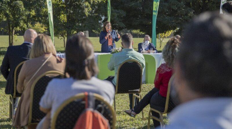 Carreras presentó un nuevo programa de subsidio de tasa para mujeres emprendedoras