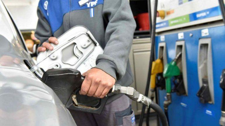 Una vez más, aumentó la nafta en todo el país
