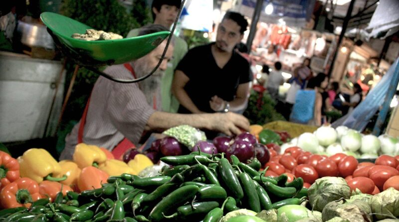 La canasta básica alimentaria subió 3,6% en junio